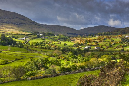 7027_Sun & Clouds on Mourne Mountains_tonemapped