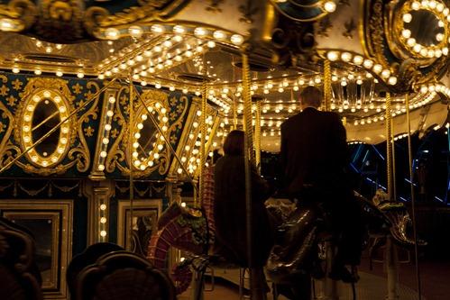 1627_Merry Go Round