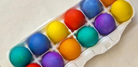 2055_Colored Eggs