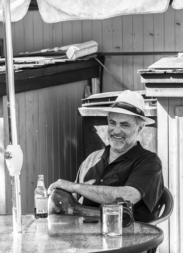 5969_Enjoying Himself-BW