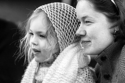 6186_Niece and Great-Niece-BW