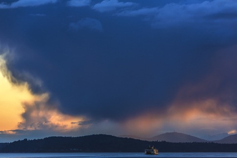 94C0003_Ferry and Evening Stormcloud - IMAGENOMIC