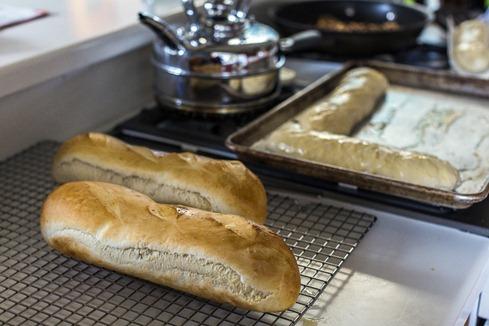 94C7056_Bread