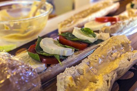 94C7399_Capresi Sandwich