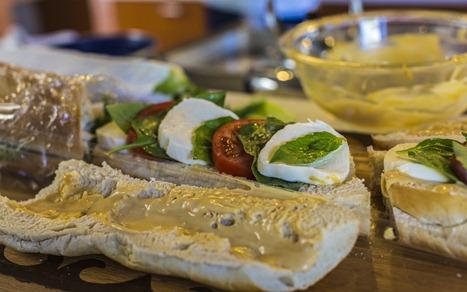 94C7402_Capresi Sandwich BETTER