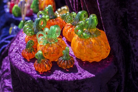 94C9478_Glass Pumpkins