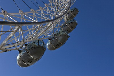 7018_London Eye Pods