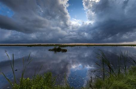 7718_Stormy Morning