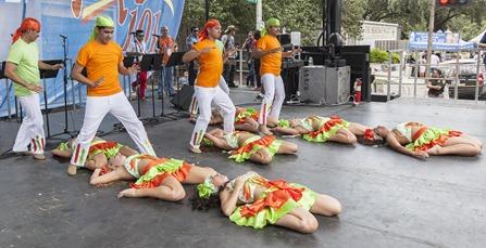 1882_Dancers Onstage