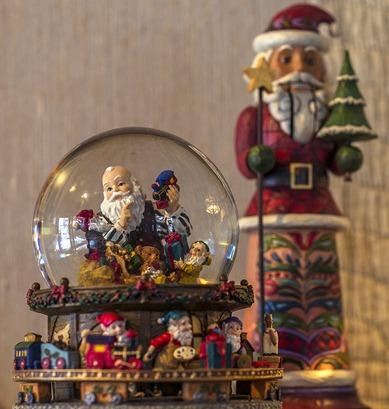 H5T7671_Santas