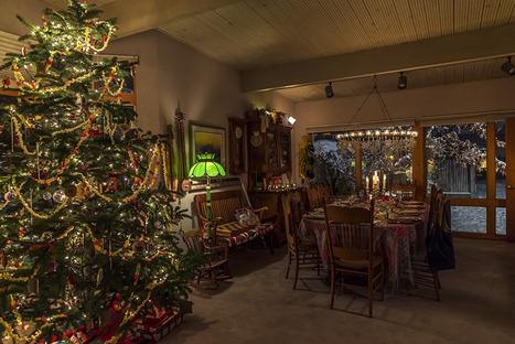H5T8881_Christmas Dinner Setup