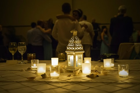 Tablesetting And Background Dancing