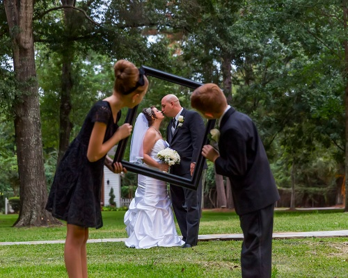 Picture Frame - Bride and Groom in Focus