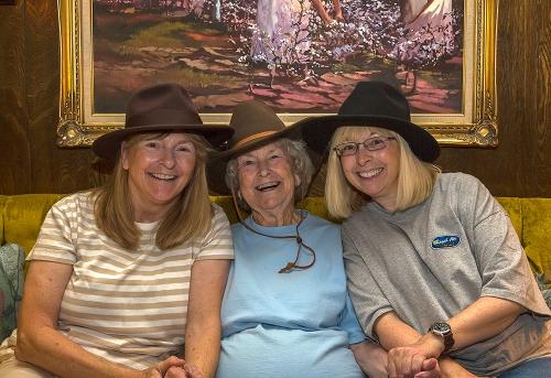 Mom-Kath-Becky-Hats_U9A4160